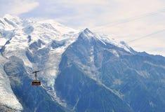 Teleférico en Chamonix Mont Blanc, Francia Foto de archivo libre de regalías
