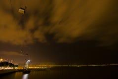 Teleférico en la noche Fotos de archivo libres de regalías