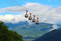 Teleférico francés de las montañas y del Grenoble-Bastille, Francia Foto de archivo