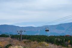 Teleférico que move-se sobre a floresta Imagem de Stock Royalty Free