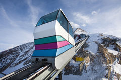 Teleférico que vai ao pico de Kitzsteinhorn Foto de Stock