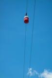 Teleférico rojo de Barcelona en un fondo del cielo azul foto de archivo libre de regalías