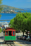 Teleférico y isla de Alcatraz en San Francisco imagen de archivo libre de regalías