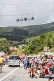 Teleféricos y audiencia en Alpe d'Huez Foto de archivo libre de regalías