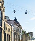 Telef?rico acima do oldtown de Porto imagens de stock
