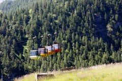 Teleferic на Monetier Les Bains Стоковые Изображения RF