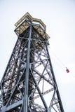 Teleferica della torre nel porto Vell di Barcellona in un backgound bianco Immagine Stock Libera da Diritti
