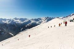 Teleferica e seggiovia nella stazione sciistica cattivo Gastein in montagne, Austria. Immagine Stock Libera da Diritti