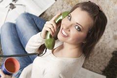 Am Telefon Stockbilder