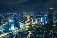 Telefon Aviv Skyline At Night, skyskrapa fotografering för bildbyråer
