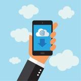 Telefon, das eMail im digitalen Format sendet Stockfotos