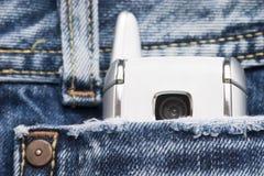 Telefon in der Tasche lizenzfreies stockfoto
