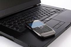 telefon för datorbärbar datormobil Royaltyfri Foto