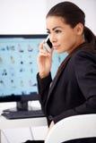 telefon för kallande kontor för affärskvinna Arkivfoton