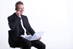 telefon för man för affärscell lycklig Royaltyfri Foto