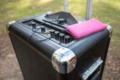 Telefon komórkowy łączący przenośny PA system dźwiękowy Obraz Royalty Free