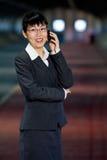 telefon komórkowy azjatykcia biznesowa kobieta Obrazy Stock
