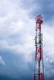 Telefon komórkowy sieci GSM donosicielki komunikacyjna antena Fotografia Stock