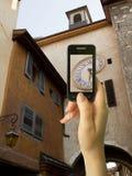 Telefon komórkowy w womans młodej ręce Zdjęcie Stock