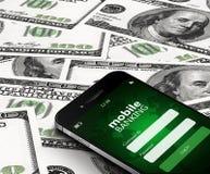 Telefon komórkowy z mobilnym bankowość ekranem nad dolarami Zdjęcia Royalty Free