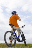 telefon roweru czyni człowieka do Zdjęcie Stock
