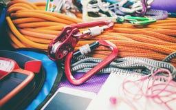 Telefon, Seil, Navigator und Taschenlampe Stockfotografie