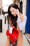 Telefon und Handtasche Lizenzfreies Stockfoto