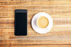 Telefon und Kaffee Lizenzfreies Stockbild