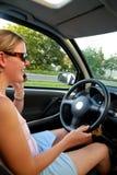 Telefonar no carro Imagem de Stock