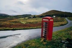 Telefonbås i Kilmalaug, Skottland, Förenade kungariket Royaltyfri Foto