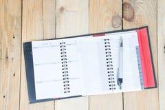 Telefonbuch auf Holz Stockbild