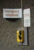 Telefone amarelo da emergência Fotografia de Stock Royalty Free