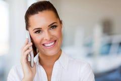 Telefone celular da mulher de negócios foto de stock royalty free