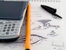 Telefone de PDA com pena e esboços do Doodle imagens de stock royalty free