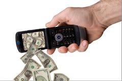 Telefone de pilha da terra arrendada do homem Imagem de Stock Royalty Free