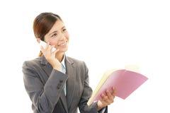 Telefone esperto com mulher Imagem de Stock