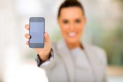 Telefone esperto da mulher foto de stock