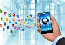 Telefone esperto do Internet e dos multimédios Fotografia de Stock Royalty Free