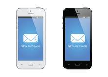 Telefone esperto móvel moderno com a exposição de mensagem nova isolada Imagens de Stock