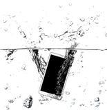 Telefone esperto na água Fotografia de Stock Royalty Free