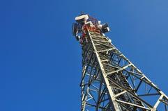 Telefone, monitoração e torre de antena Imagens de Stock Royalty Free