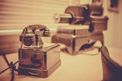 Telefone velho do vintage em um museu fotografia de stock royalty free