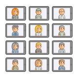 Telefones e povos espertos do pixel Fotos de Stock