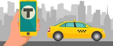 Telefoni con il taxi dell'interfaccia su uno schermo su un taxi del fondo nella città Cellulare app per servizio di taxi di preno Fotografia Stock