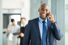 Telefono cellulare dell'uomo d'affari Fotografie Stock Libere da Diritti