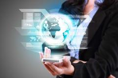 Telefono cellulare di tecnologia della comunicazione e alta tecnologia moderni Immagini Stock Libere da Diritti