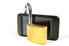 Telefono cellulare e lucchetto Fotografie Stock Libere da Diritti