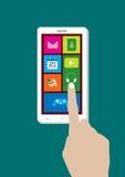 Telefono cellulare e mano moderni dello schermo attivabile al tatto Fotografia Stock