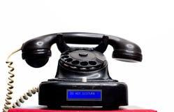 Telefono con fili fisso d'annata della terra con l'esposizione moderna dell'affissione a cristalli liquidi Fotografie Stock Libere da Diritti