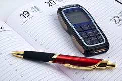Telefono delle cellule e della penna Fotografie Stock Libere da Diritti